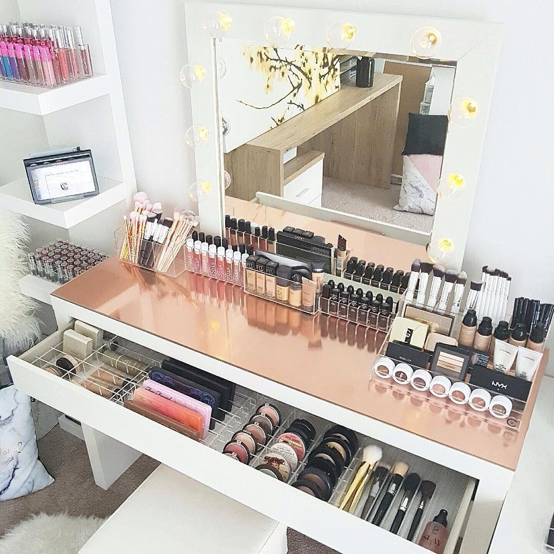 modern makeup storage decor vanitycollections outlook. Black Bedroom Furniture Sets. Home Design Ideas