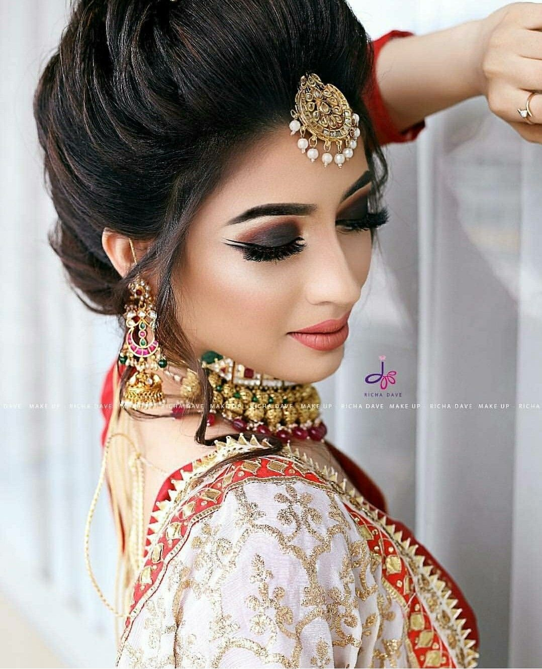 Pinterest Aditimaharaj Indian Bridal Hairstyles Wedding Hairstyles Bridal Hair