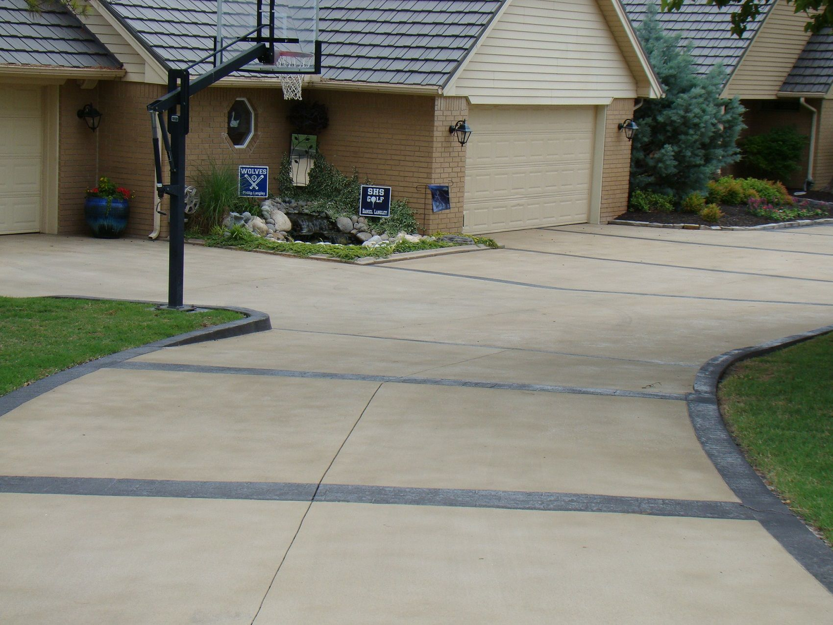 Resurfacing And Staining Concrete Driveway Direct Colors Concrete Color Concrete Driveways Concrete Pigment