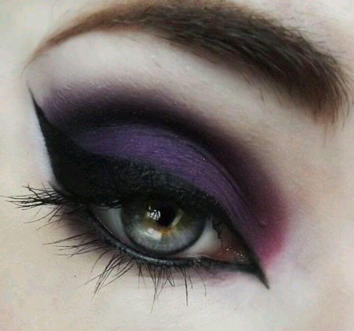 Vampire Eye Makeup Tips Cat Eye Makeup
