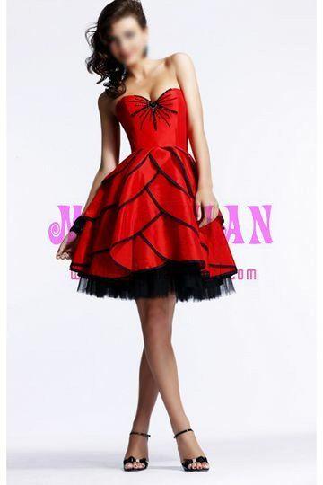 Google 이미지 검색결과: http://i01.i.aliimg.com/photo/v0/342787585/red_satin_black_tulle_elegant_cocktail_dress.jpg