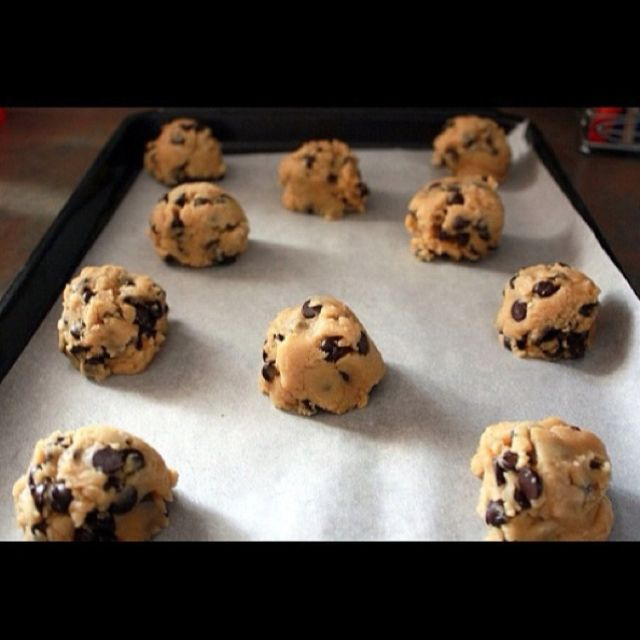 Pin by Matet Do on Happy Tummy | Eating raw cookie dough ...