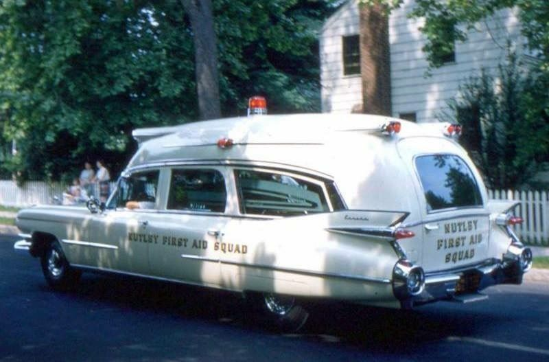 Pin By Bob Riegel On Ambulances With Images Rescue Vehicles