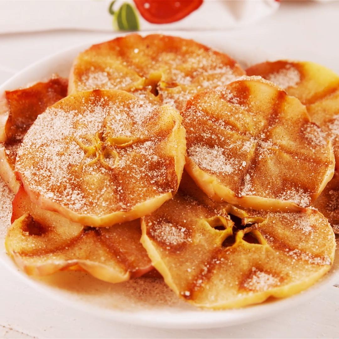 Waffle Iron Baked Apples #falldrinks