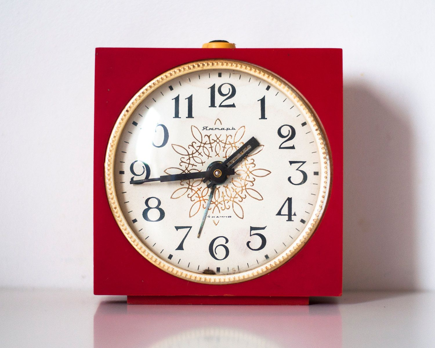 Soviet clock russian clock vintage clock mechanical clock jantar soviet clock russian clock vintage clock mechanical clock jantar working red case with white dial amipublicfo Images