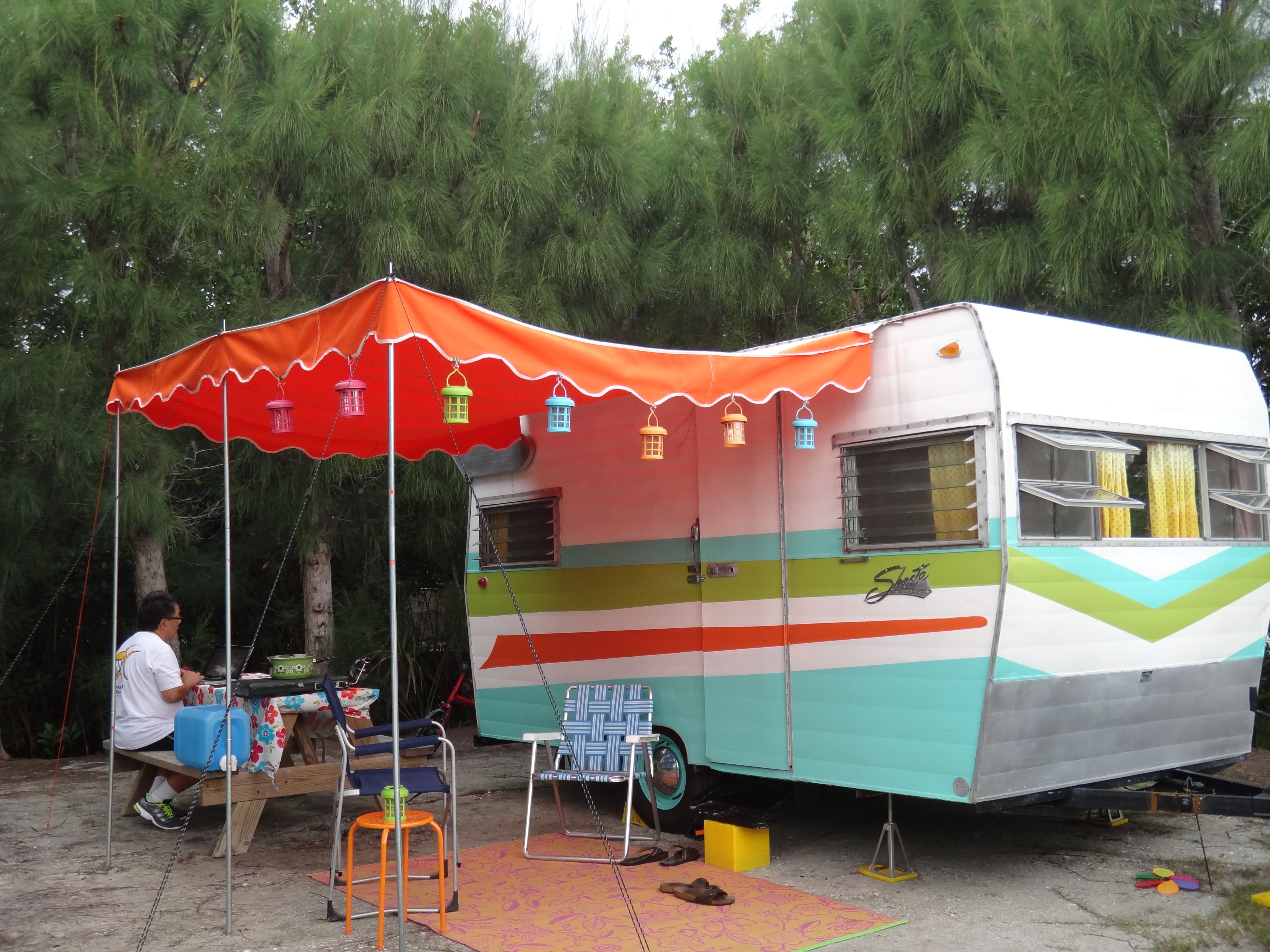 Suzy Q A 65 Shasta Airflyte Had Her Maiden Voyage From Ontario Canada To Sanibel Island Florida O Vintage Camper Vintage Travel Trailers Vintage Trailers