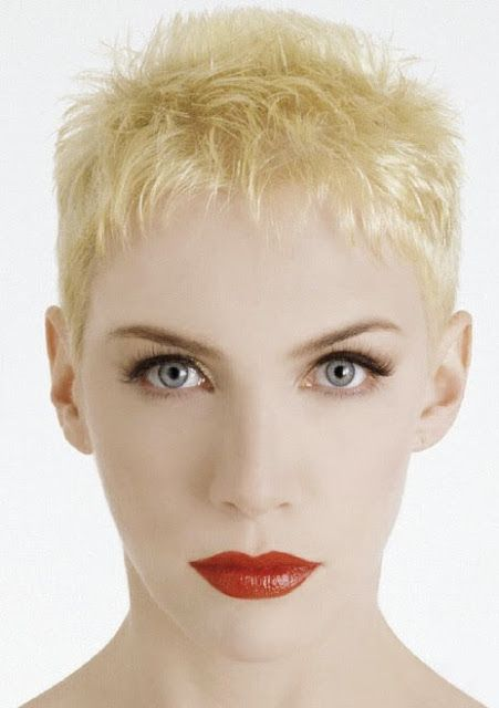 Annie Lennox Had Her Statement Bleach Blonde Pixie Crop In The 80s