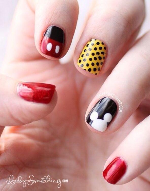 Mickey Mouse Nails | Decoracion de uñas Disney-Disney Nail Art ...