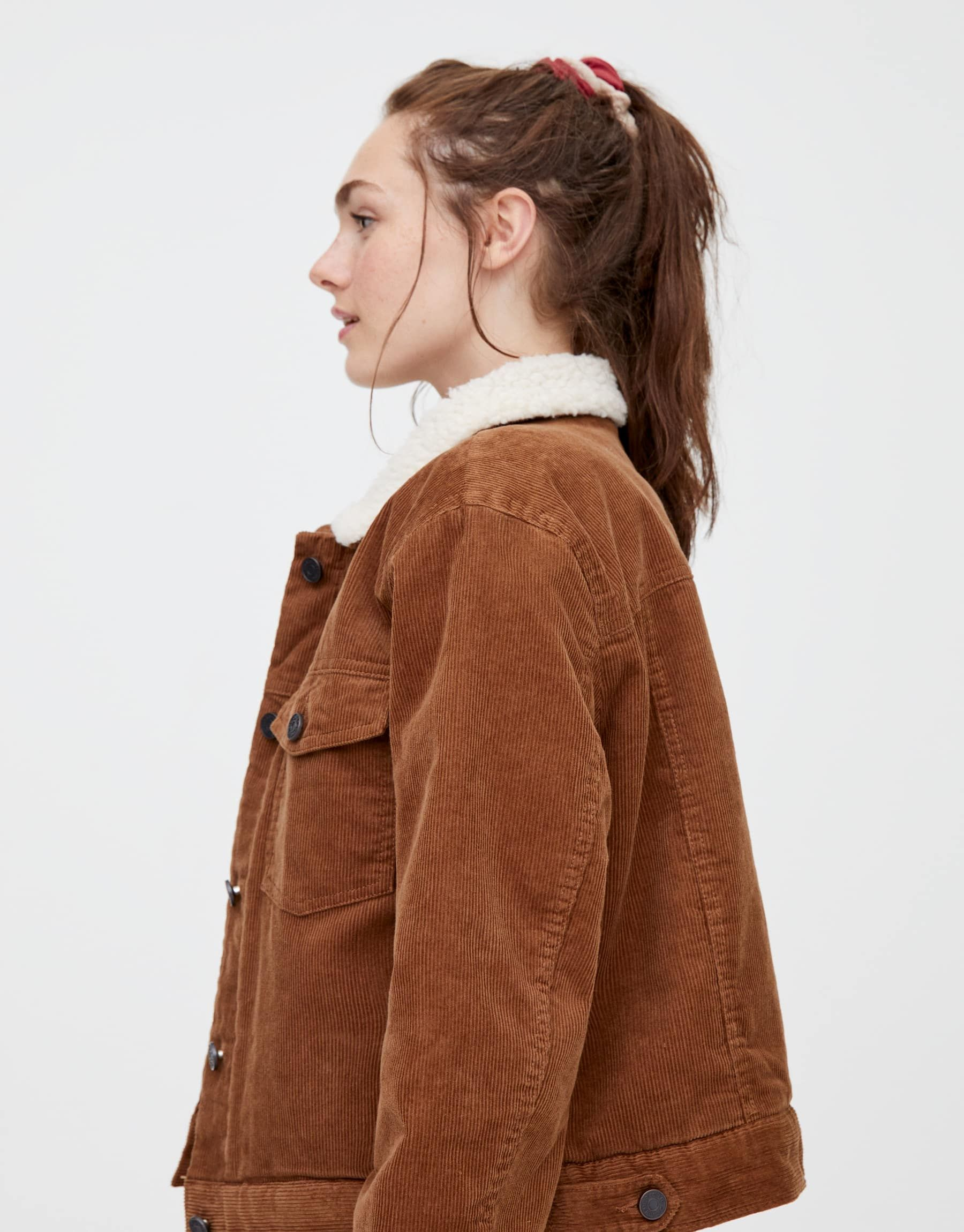 Short Corduroy Jacket With Faux Sheep Wool Pull Bear Wool Jacket Outfit Shearling Jacket Outfit Corduroy Jacket Womens