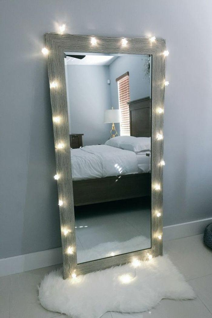 deco chambre adulte avec grand miroir entouré d\' une guirlande aux ...