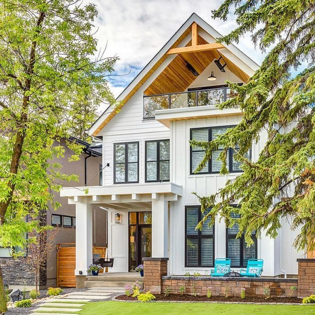 This Exterior Features With And Perfect Architectural Details Meet Ideal Size Find Pin More On Create My Own House