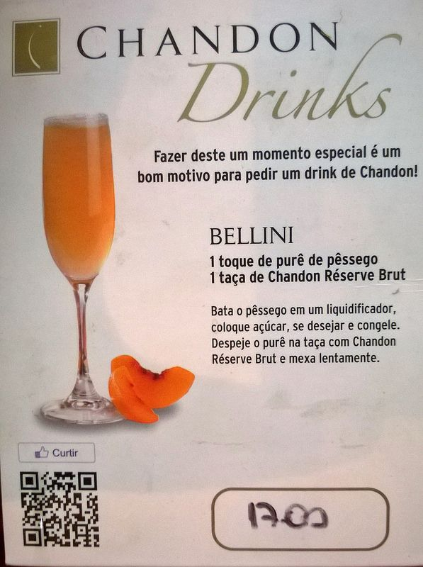 Bellini cocktail Bellini drink Prosecco sparkling wine peach purée nectar