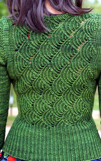 Gyoen- October sweater by jettshin, via Flickr