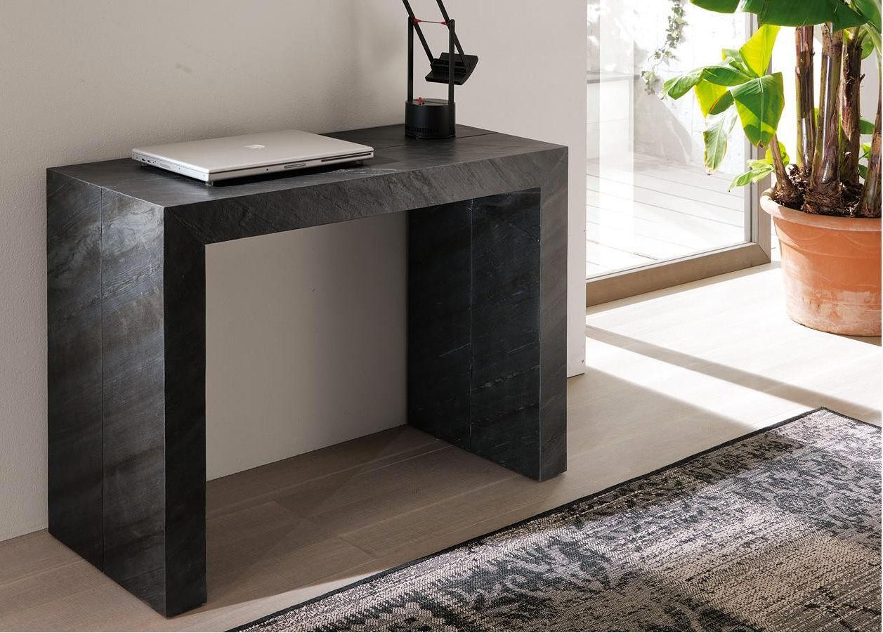 Mesa consola transformable en una amplia mesa de comedor