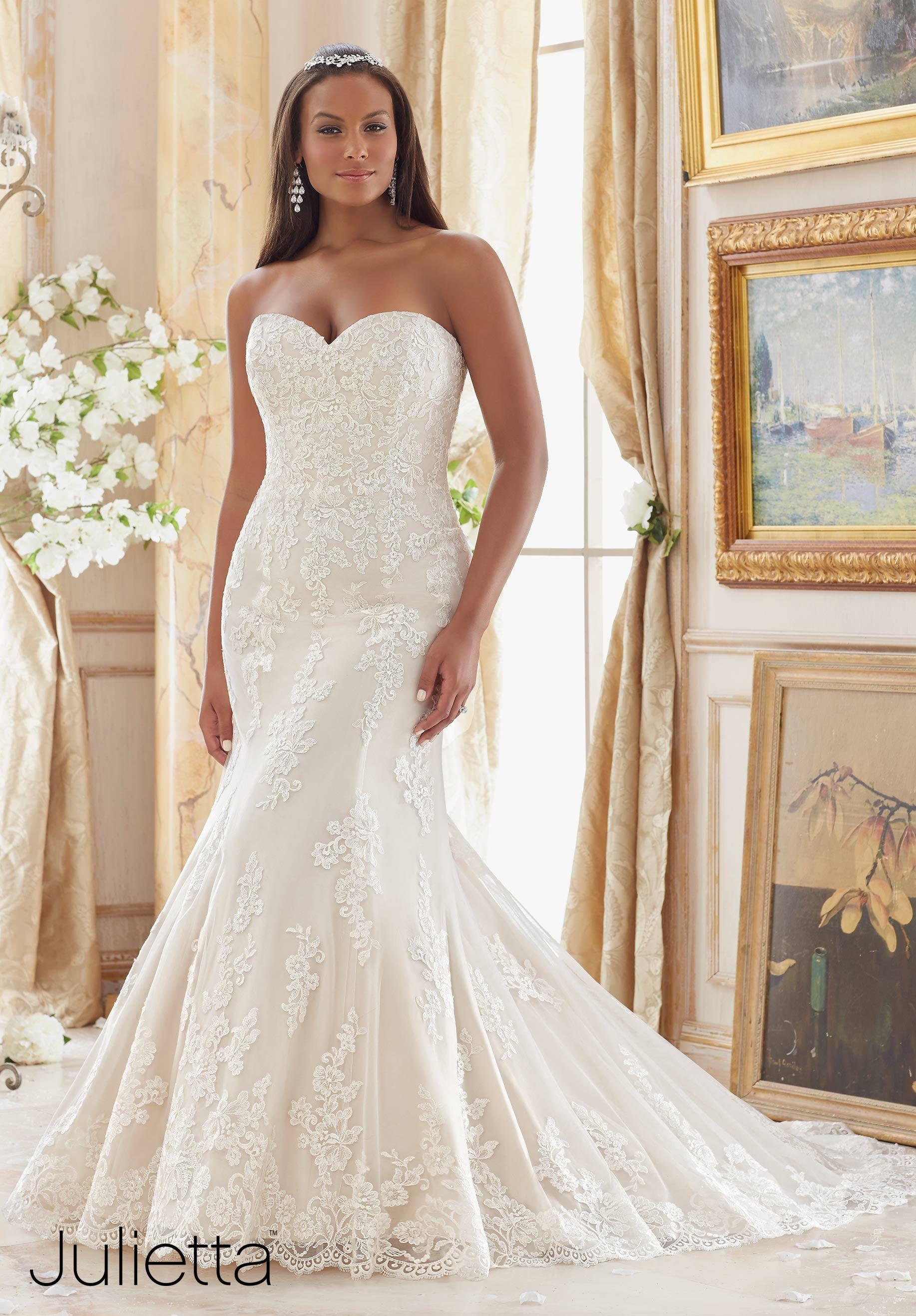 Plus Size Wedding Plus Size Wedding Gowns Mori Lee Julietta Collection Pretty Pear Bride Wedding Dress Brands Mori Lee Wedding Dress Wedding Dress Styles [ 2636 x 1834 Pixel ]