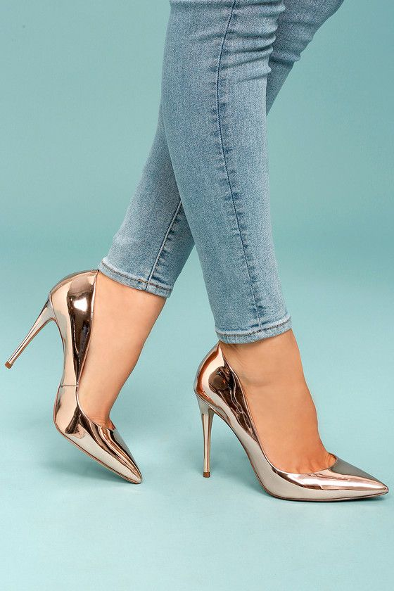 4bfd0ad54f9 Steal the show with the Steve Madden Daisie Rose Gold Patent Pumps!  Metallic