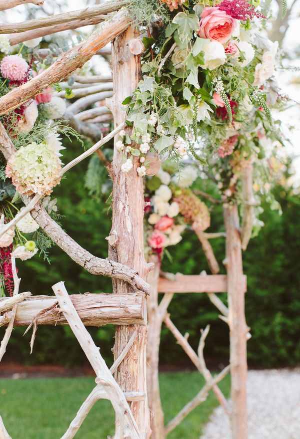 A Cape Cod Wedding Photo Taken By Rebecca Arthurs Photography With Images 2014 Wedding Trends Wedding Flower Inspiration Wedding Trends