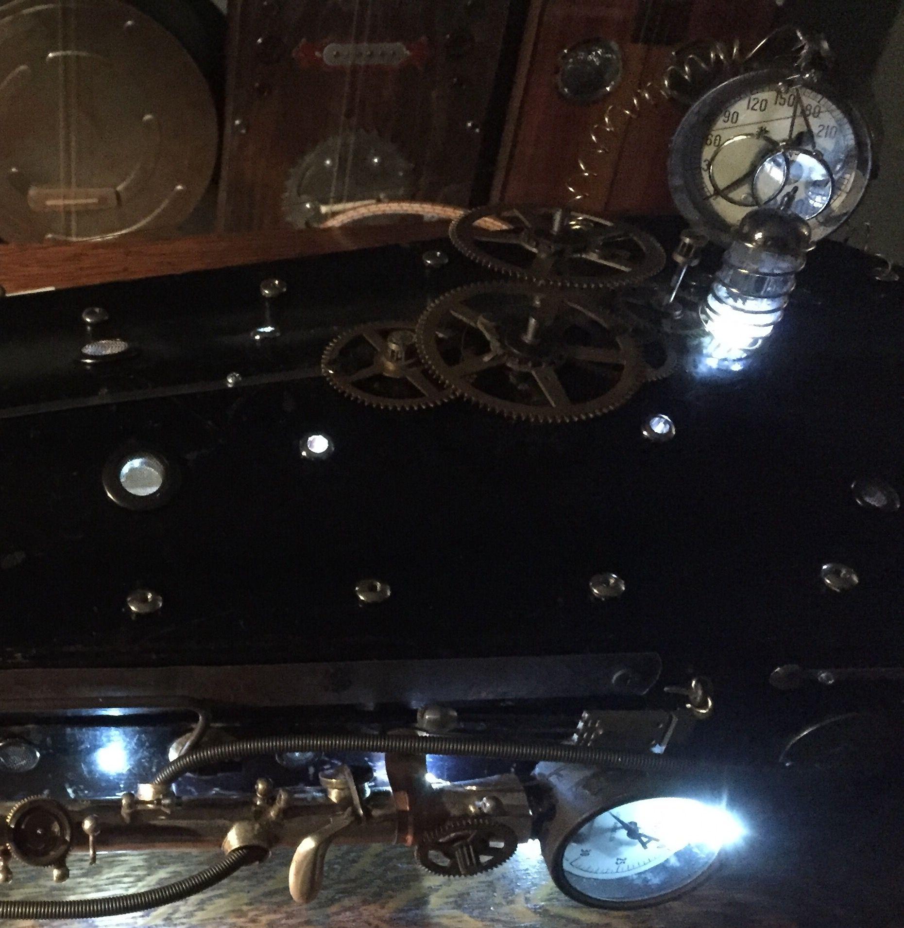 Steampunk Diddley Bow/Dan Bau made from a vintage violin case ...