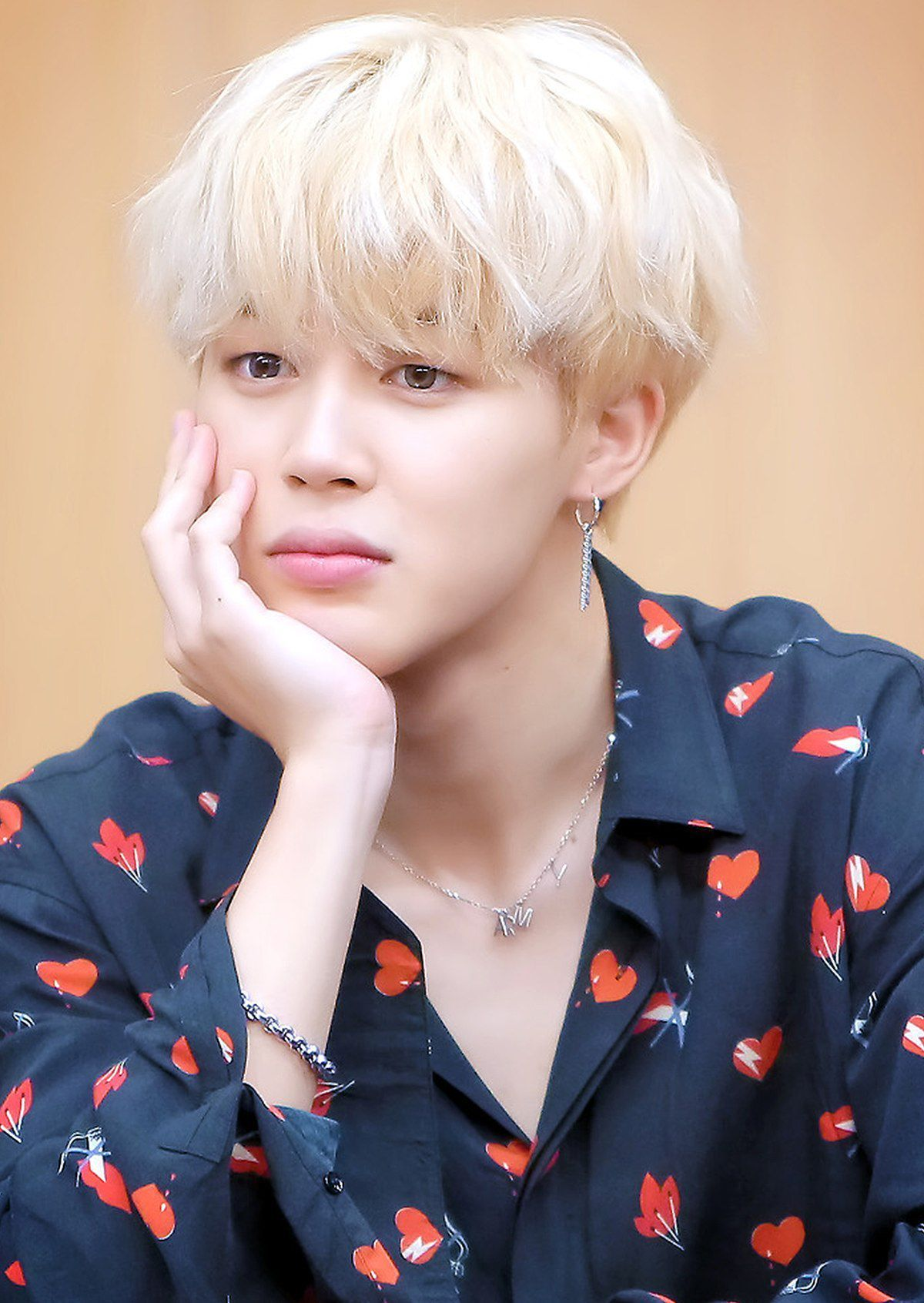 Wattpad Fanfiction In Which A Kpop Idol Falls In Love With A Much Younger Idol A Park Jimin Fanfiction Bts This Is My First B Bts Jimin Jimin Park Jimin