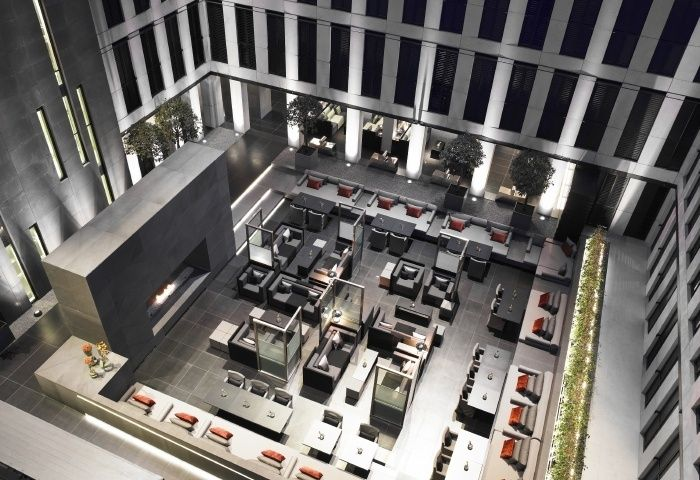 The Internal Courtyard At Jumeirah Grosvenor House Apartments Luxury Serviced