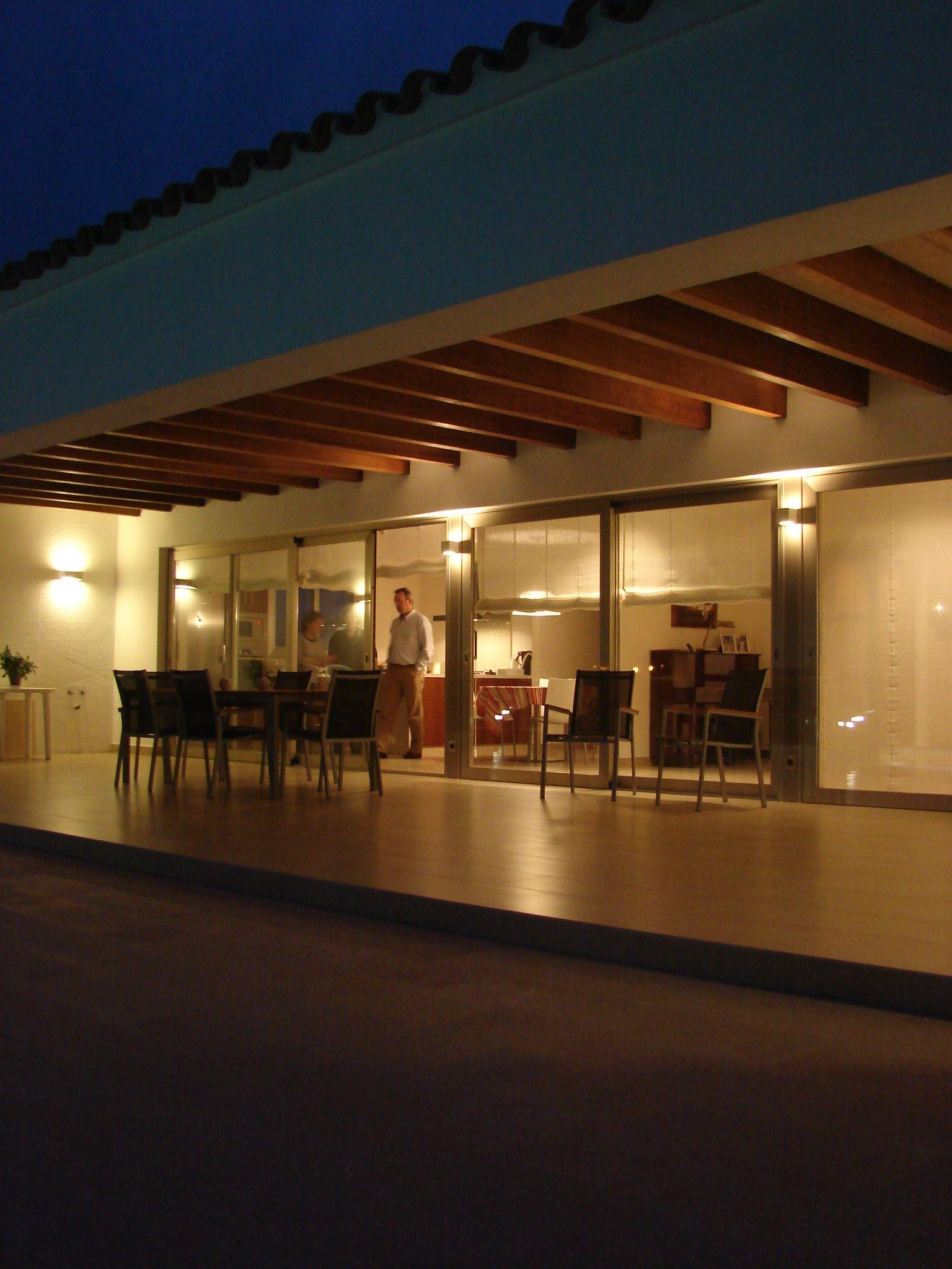 Exterior porche terraza contemporaneo decoracion via for Cobertizo de madera de jardin contemporaneo