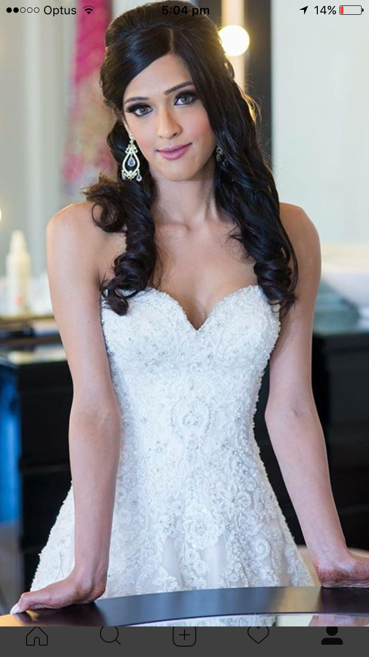 Beautiful romantic traditional wedding dress will make you feel like