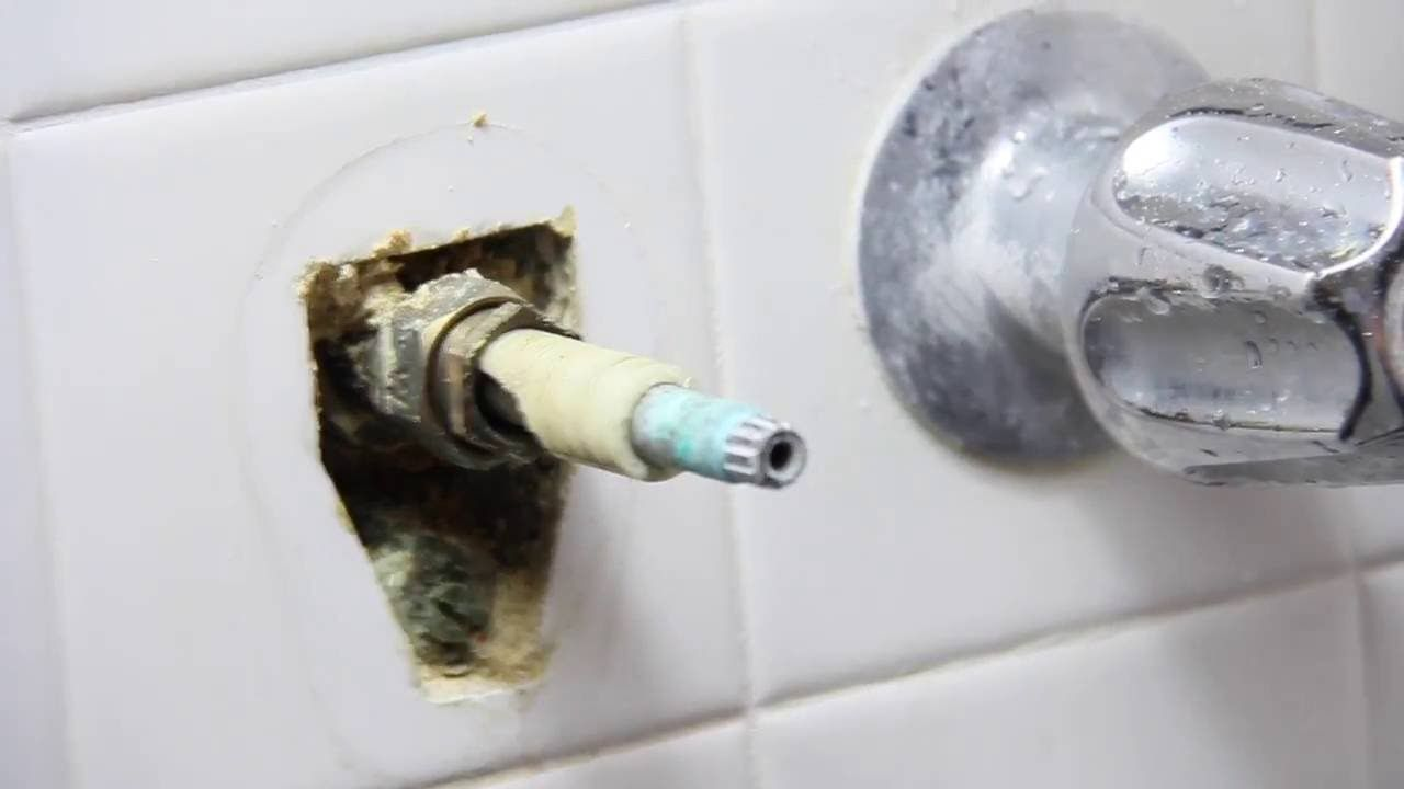 How To Fix A Leaking Price Pfister Shower Valve Youtube Shower Faucet Repair Bathtub Faucet Bathroom Faucets