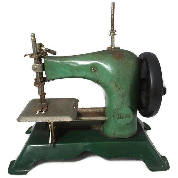 Pin by ڑوژآ بےیلآ on أقدم واعرق ماكينات الخياطة   Sewing