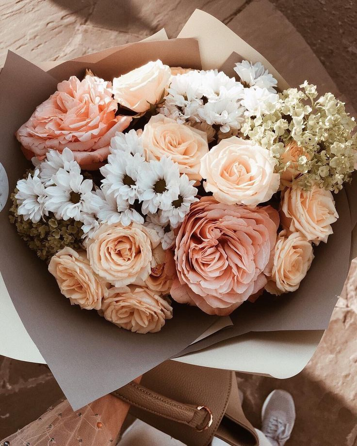 #Bouquet #daisy #farmers #Flowers #Market #peach #Rose #Spring #summer I flowers I daisy I bouquet I rose I peach I farmers market I spring I summer I sun I daisies I orange I inspiration I