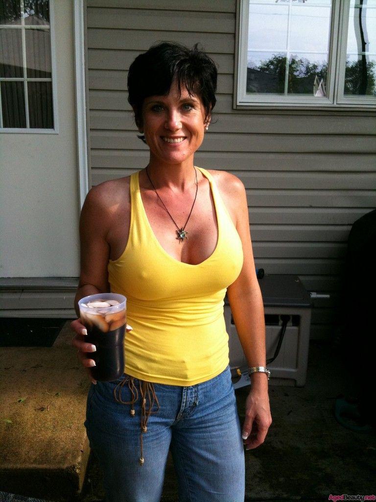 Busty Mom Milfs 14