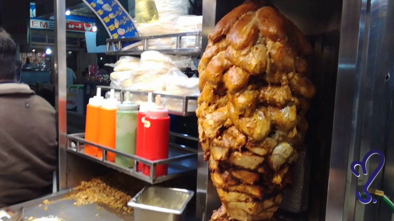 Foods Such As Shawarma Falafel Etc Are Sold In Different Street Stalls For Around 5 10 Riyals 2 3 Dollars Which Ar Chicken Shawarma Food Slow Cooked Lamb