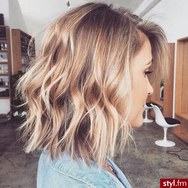 Fryzury Rozpuszczone Włosy Fryzury średnie Na Co Dzień