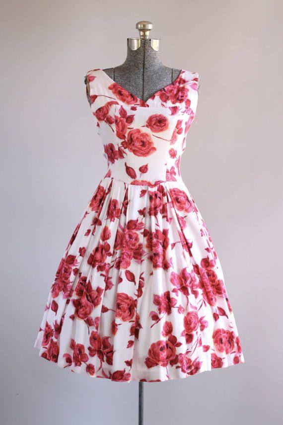 Vintage 1950s Dress / 50s Cotton Dress / Red Rose Print Dress w ...
