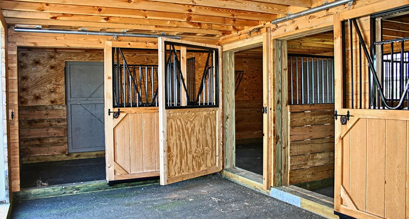 A new type of modular barn the backyard barn series for 4 stall barn designs