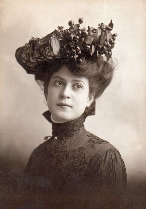 Bessie Wynn, actress, singer and comedienne, Chicago