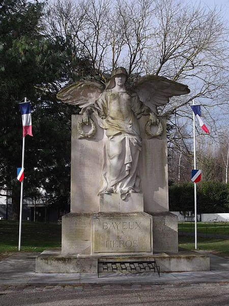 Bayeux à ses héros par Eugène Bénet . Normandie