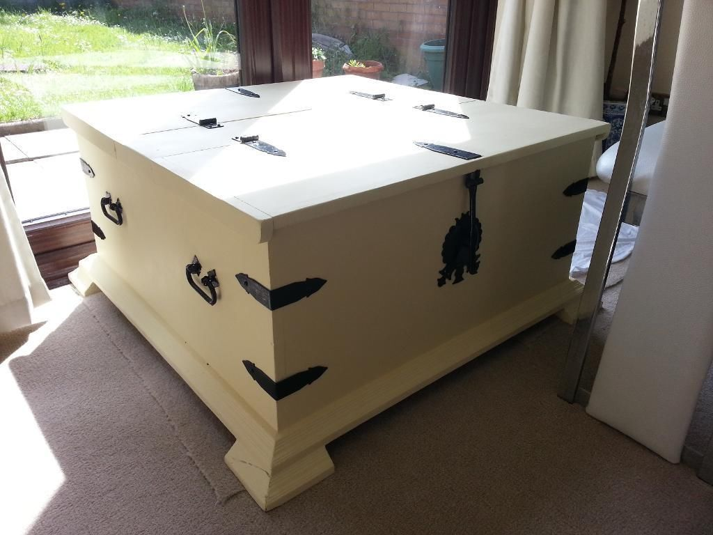 Great Hand Painted Storage Trunk, Coffee Table, Double Sided Ottoman, Toy Box !
