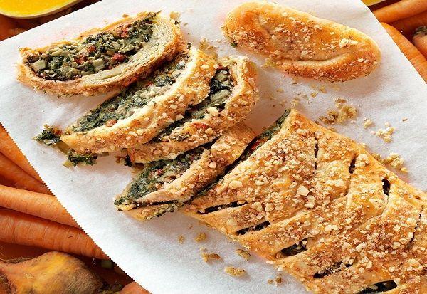 طريقة عمل فطيرة السبانخ والفطر طريقة Recipe Strudel Frozen Vegetable Recipes Strudel Recipes