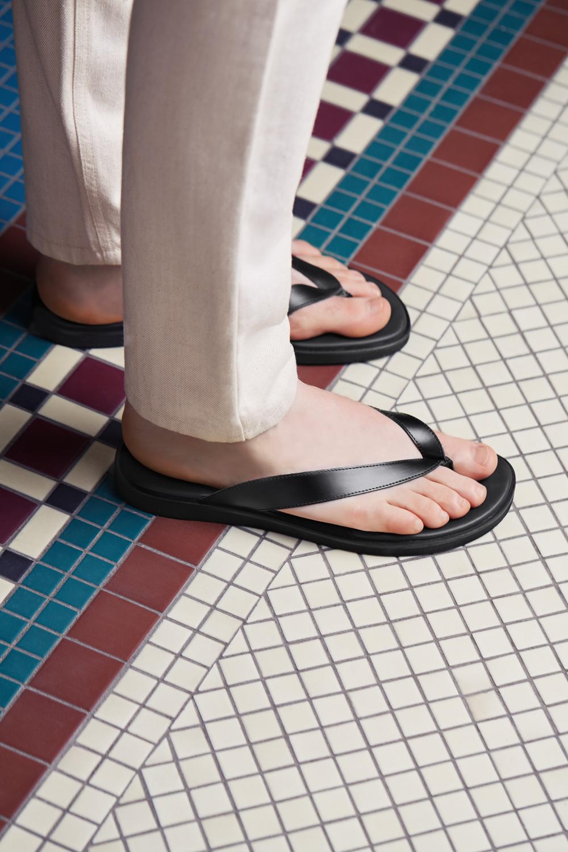 06456e4ab WANT Les Essentiels Dumont thong sandal