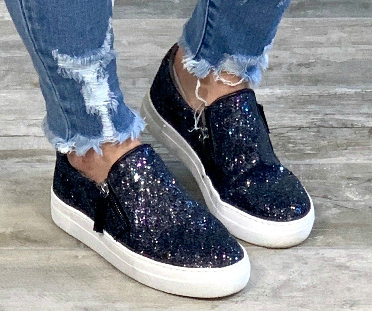 Step Sparkle Repeat Sneakers?**SHOES MAY ARRIVE WITHOUT BOX IN ORDER TO SAVE ON SHIPPING.?**ALL SHOE SALES ARE FINAL!!