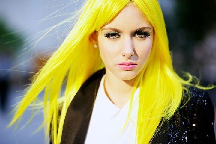 yellow food coloring hair dye