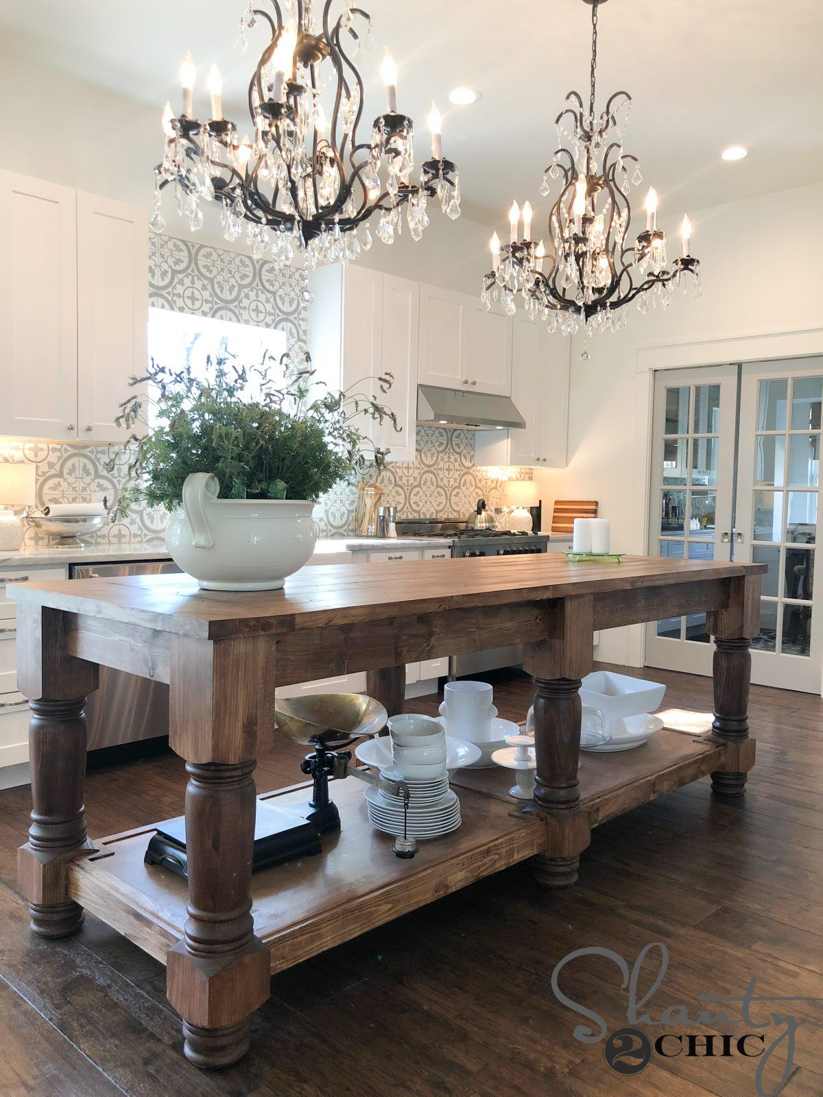 Free plans and how-to video to build this beautiful 8.5' farmhouse style kitchen island! STAIN: Gelstain from Minwax in Chestnut