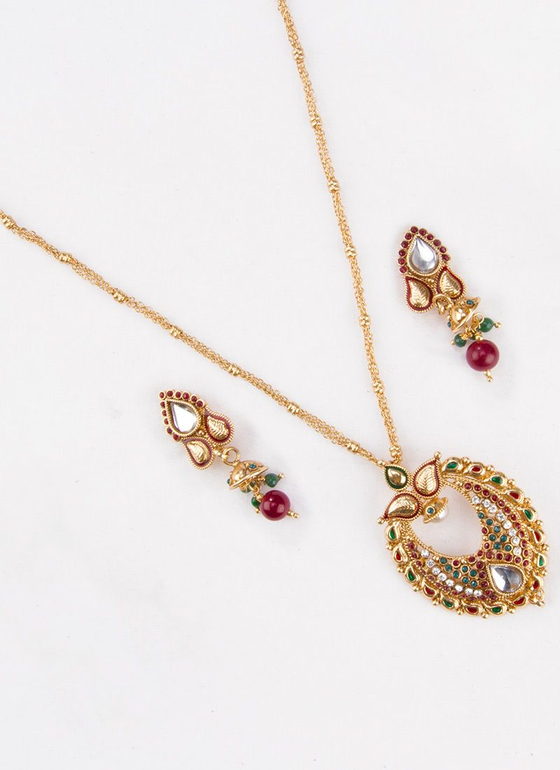 Admirable polki pendant set saree pinterest saree latest