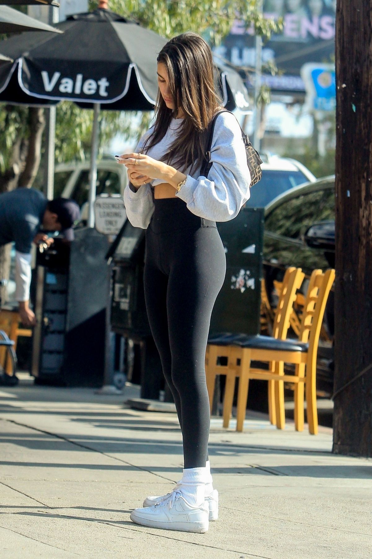 Madison Beer At Toast In West Hollywood 01 09 2020 Madison Beer Outfits Beer Outfit Celebrity Outfits [ 1800 x 1200 Pixel ]