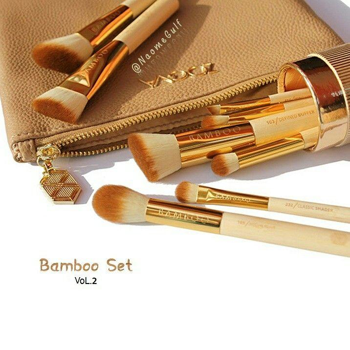طقم فرش زويفا Bamboo Set Vol 2 فرش ذهبية اللون تاتي معها شنطه مصنوعه من الجلد ذات جودة عاليه تحتوي المجمو Cosmetics News Beauty News Beauty Trends
