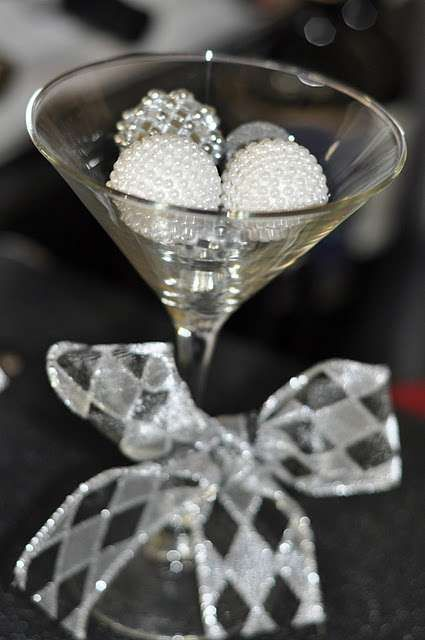 Black and White New Year's Party Ideas | Photo 4 of 17 | Catch My Party
