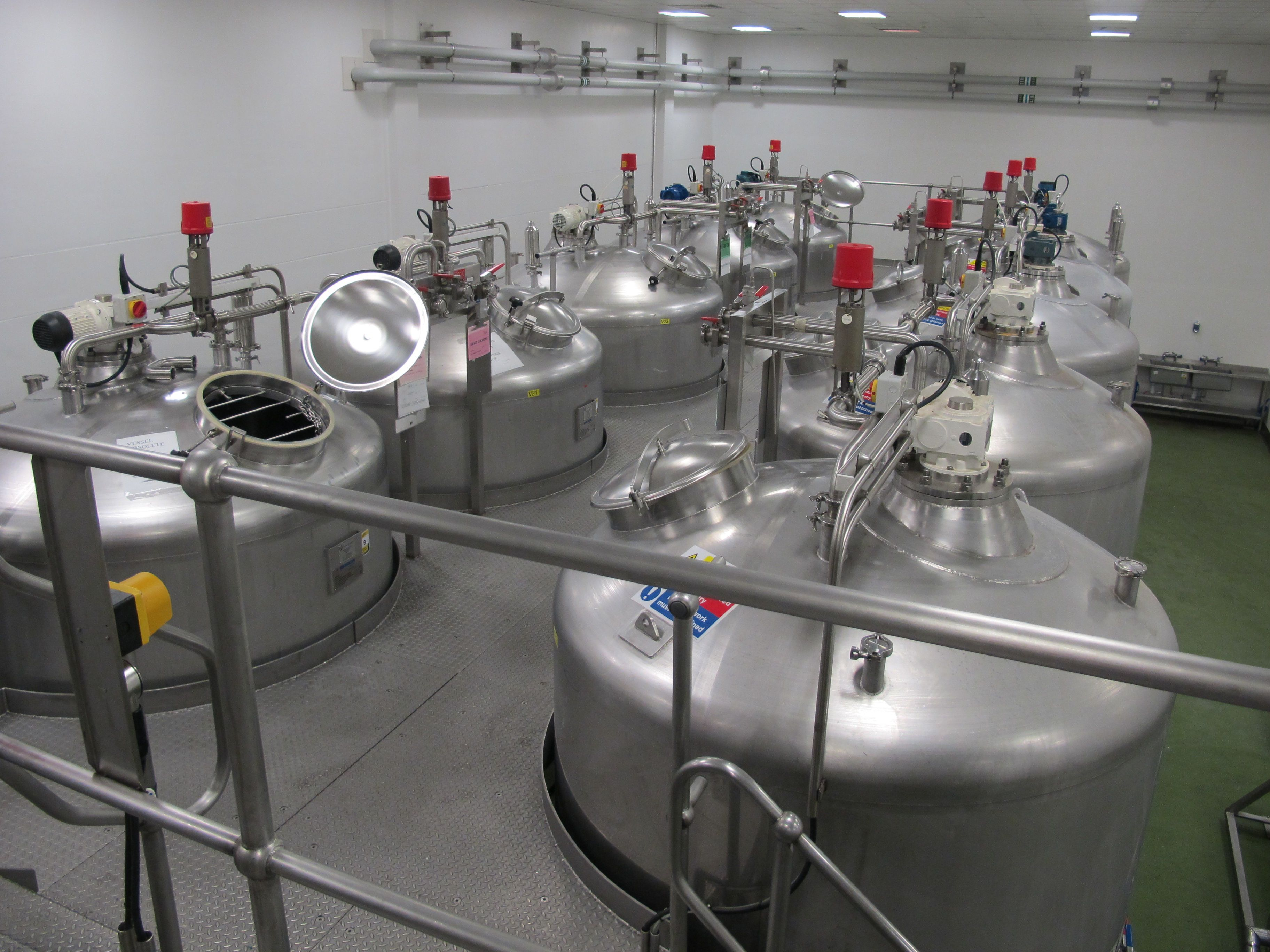 Stainless Steel Mixing Vessels Used In A Cosmetics