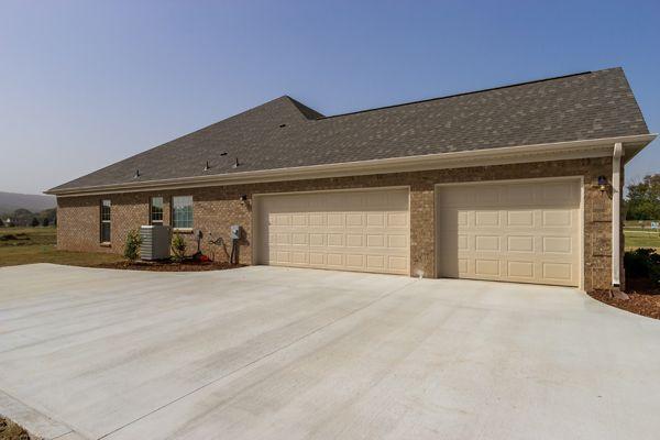 3 Car Side Entry Garage New Home Huntsville Al Circahomes