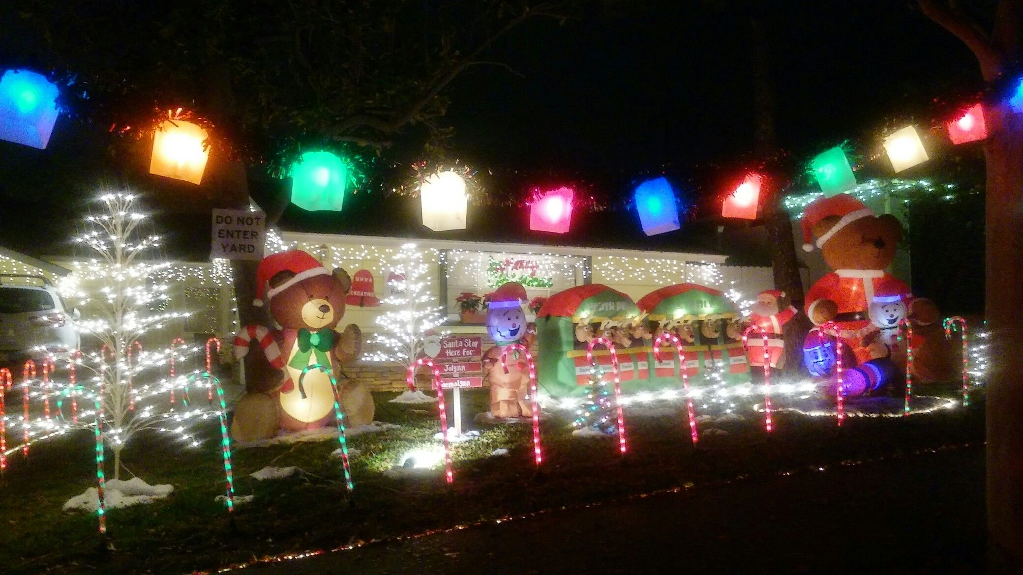 beautiful home christmas decorations in pasadena