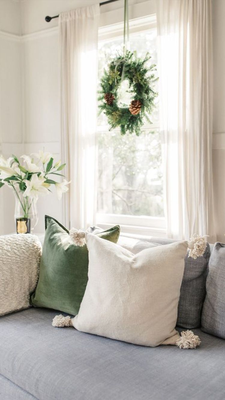 Simple Christmas Decorations For Your First Apartment Simple Christmas Decor Farmhouse Decor Living Room Cheap Home Decor